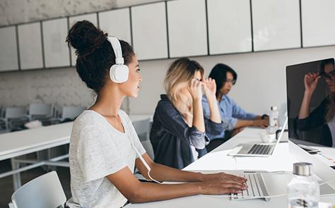 Télétravail : comment maintenir la relation client?